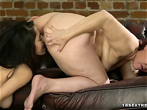 red Mary and Darcia Lee in girl/girl porn